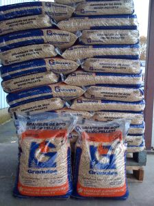 pallets of LG low ash wood pellets