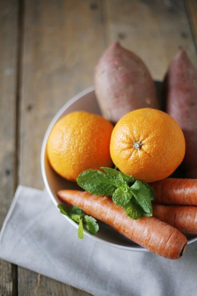 Slow Pressed Juice Recipes : Carrot and Orange Fresh Pressed Juice Bourbon and Honey