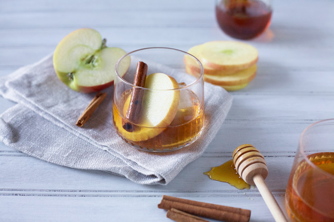 Bourbon and Honey Apple Cider Cocktail