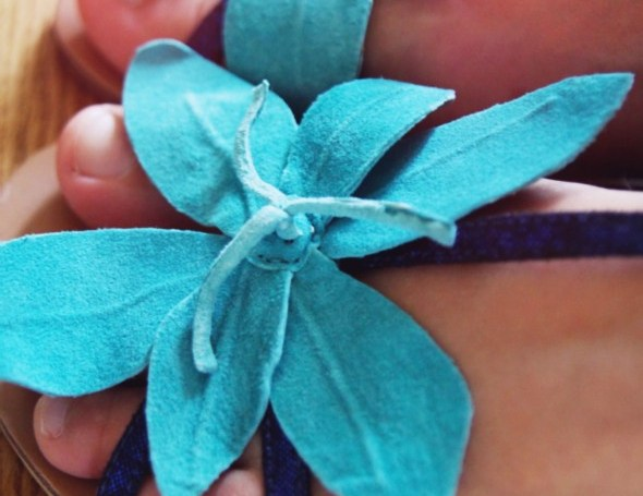 _lollipops malaysie turquoise flower sandals_effected_effected