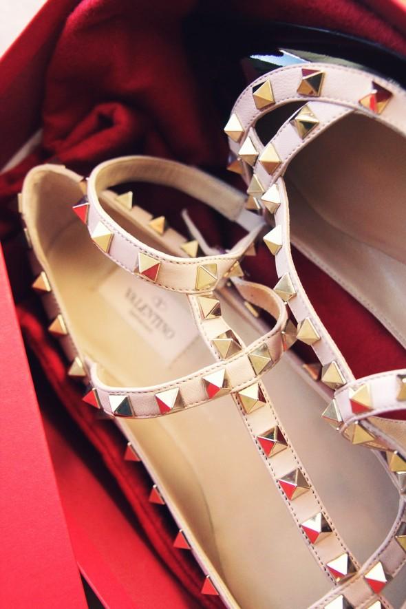 -valentino rock studs flats ballerinas black beige_effected