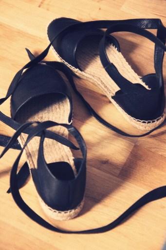 -black_noir_espadrilles_yves_saint_laurent_ysl_leather_chanel_cuir_luxe_2016_luxury_flats_shoes_espadrille_alpargatas_chaussures_été_summer_