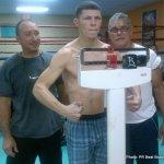 1 nov 2013 Rocky Martinez training for Mikey Garcia