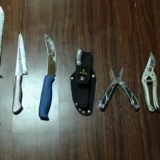 狩猟とは切っても切れないツール。僕の猟用ナイフ一式を紹介します。