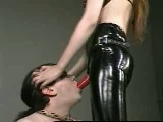 women breath control bondage