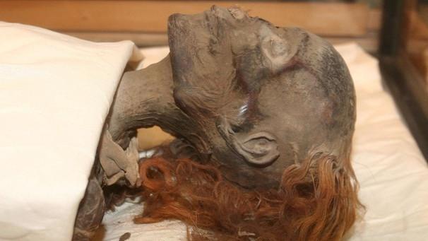Der Erste Weibliche Pharao Das Geheimnis Um Ihre Mumie