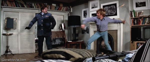 The desperate fight in Faye Dunaway's apartment.