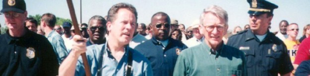 Former Gov. David Beasley joins Mayor Joe Riley on the last leg of the 2000 march.