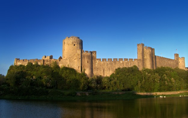 The earldom of Pembroke came with this cool castle, so you can see why Strongbow wanted it back.