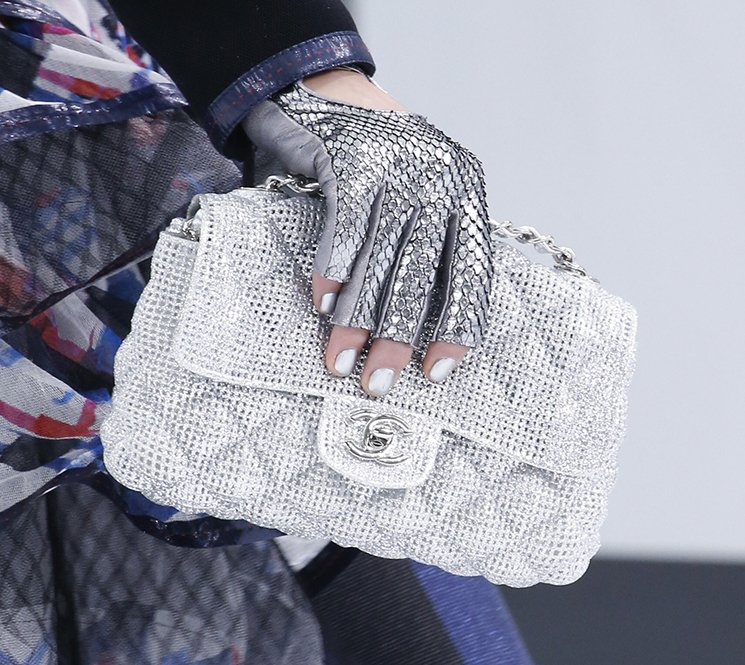 Chanel-Spring-Summer-2016-Runway-Bag-Collection-Featuring-New-Squared-Tote-Bag-13