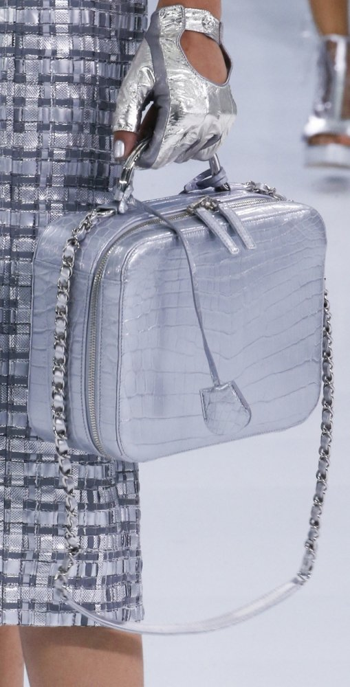 Chanel-Spring-Summer-2016-Runway-Bag-Collection-Featuring-New-Squared-Tote-Bag-7