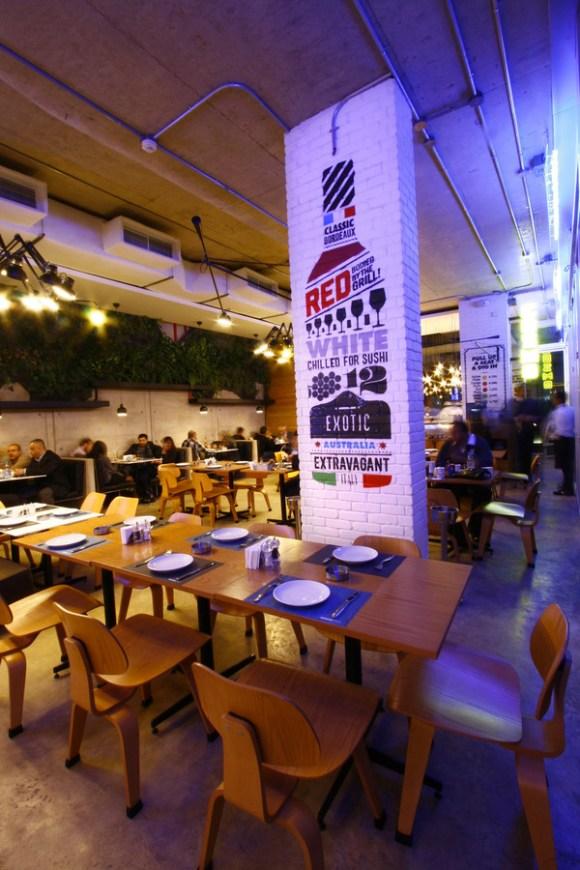 COZMO Café : Branding 06