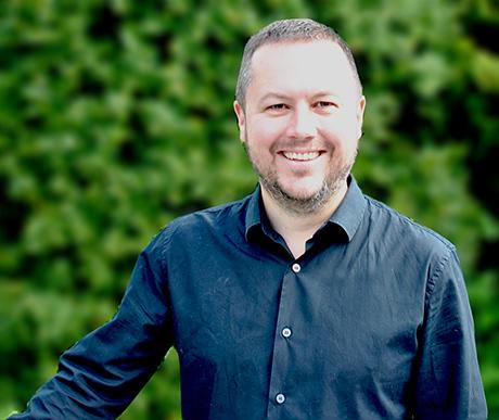 Ian Rhodes - Niche Marketing Consultant & Chief Differentiator