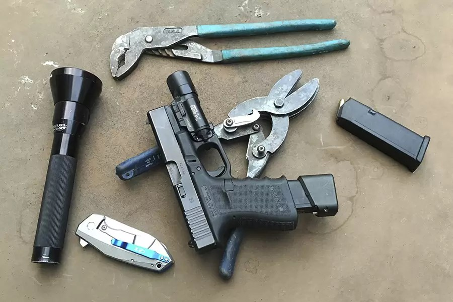 KnowYourWrenches-be-a-gun-guy3