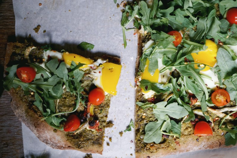 Green Dream Breakfast Pizza Recipe with Arugula and Eggs | Breakfast ...