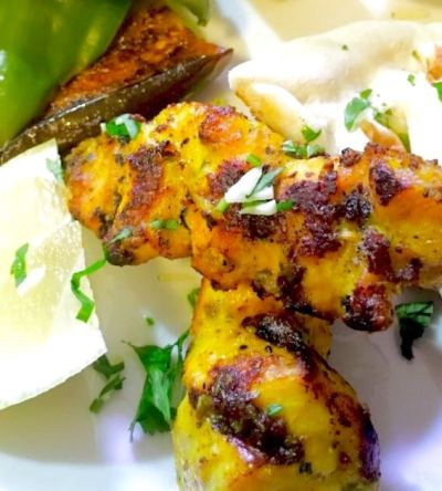 Chicken kababs spiced with fennel and mustard