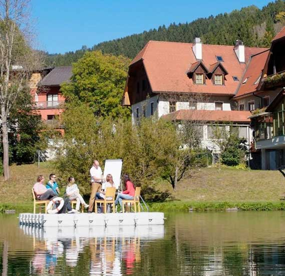 Workshop auf Pontoninsel am See