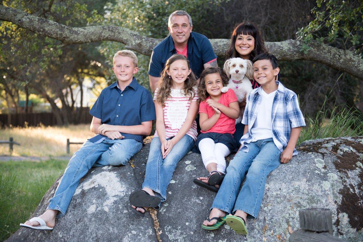 Folsom Lake Family Portraits : Manndie's Family