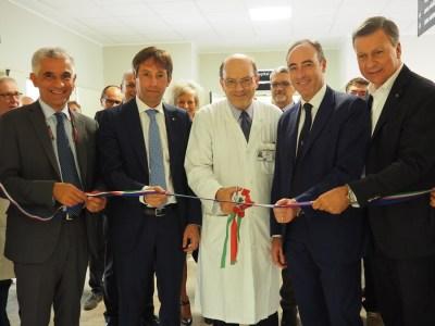 nell'immagine (da sinistra): il direttore dell'ASST Monza Matteo Stocco, il vicepresidente della Regione Lombardia Fabrizio Sala, il prof. Bidoli, l'Assessore alla Sanità Gallera e il Sindaco di Monza Dario Allevi