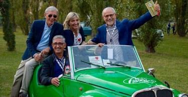 Paola con Giandomenico Amodeo, Domenico Mirigliani e Paolo Ciprandi con i quali organizza gli eventi delle autostoriche