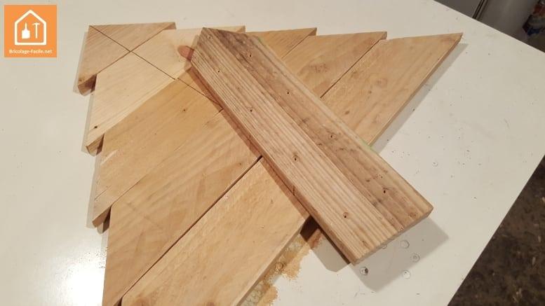 Tuto fabriquer un sapin en bois de palettes bricolage for Bricolage bois facile