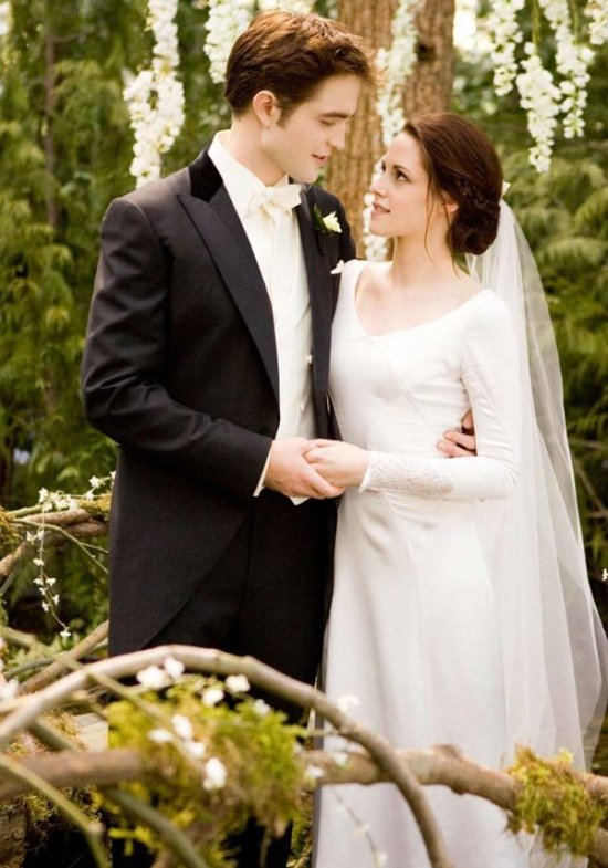 First Photos of Bella's Breaking Dawn Wedding Dress!  BridalGuide
