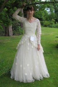 Mystery Man Donates Wife's Wedding Dress: Read the Sweet ...