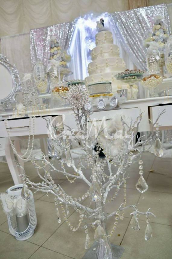 Silver-Wonderland-Wedding-Jeweled-tree