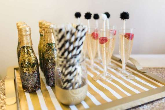 Golden-Glamour-Bridal-Party-Beverages