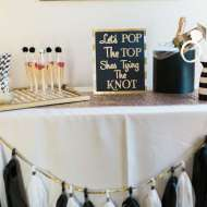 Golden-Glamour-Bridal-Party-Chalkboard-Art