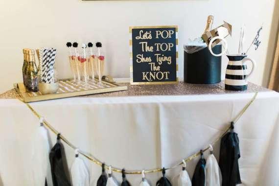 Golden-Glamour-Bridal-Party-Chalkboard-Art