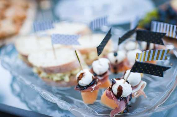 Outdoor-Great-Gatsby-Party-Ham-Skewers