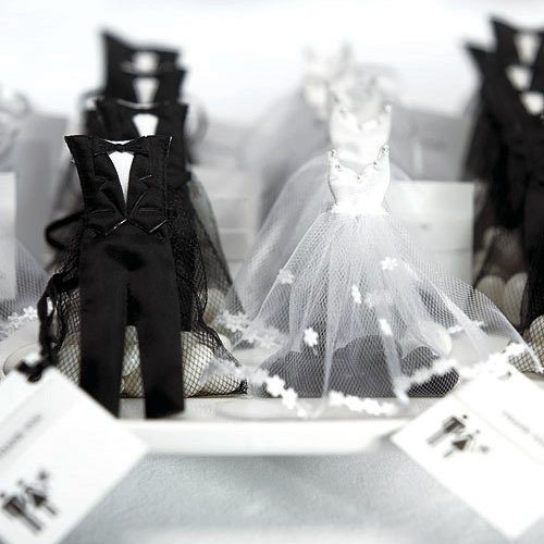 wedding favor ideas Bride and Groom Favor Bags