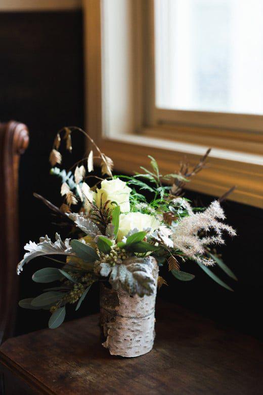 Romantic-Winter-Rustic-Wedding-Flower-Arrangement