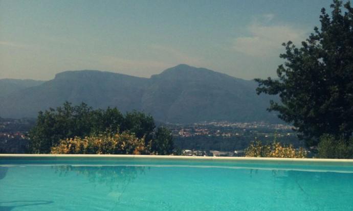 Splendid pool shot, Tuscany