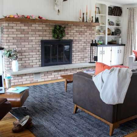 Vintage Modern Black and White Living Room