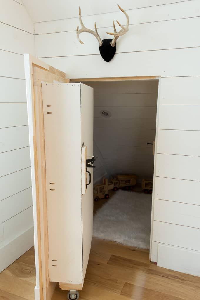 DIY Hidden Doorway Bookcase