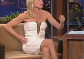 Julie Bowen legs
