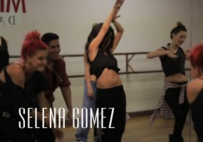 Selena Gomez abs