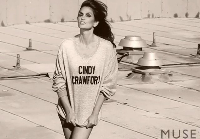 Cindy Crawford sexy pics