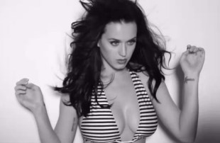 Katy-Perry-GQ-boobs