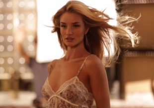 Rosie-Huntington-Whiteley-sexy