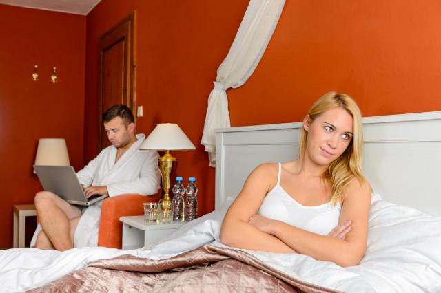unhappy-girlfriend-relationship-bad