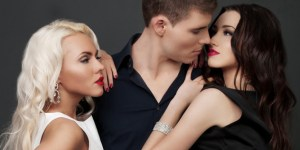 14 Mind-Blowing Things You Need To Know About Threesomes