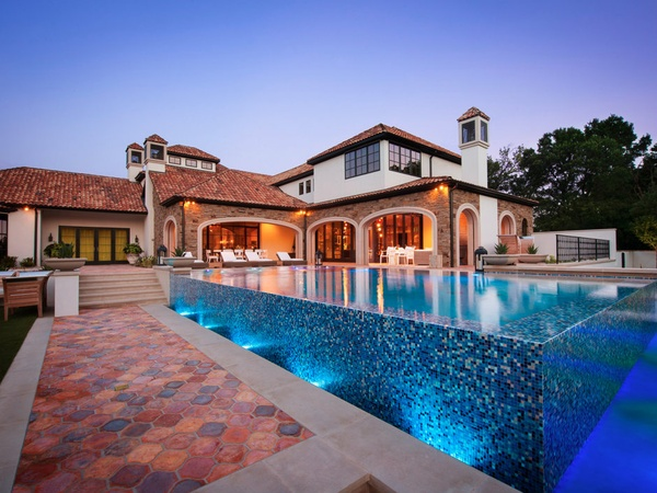 Pool-at-10179-Brook-Hollow-Court-in-Dallas_130157