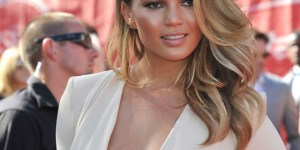 Chrissy Teigen might get her own daytime talk show (please let this happen)