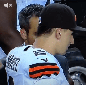 johnny-manziel-finger