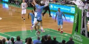 I Can't Stop Watching Blake Griffin's No-Look 360 Block