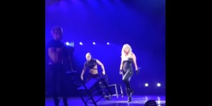 Britney Spears' Weave Fell Off Her Head While She Was Performing
