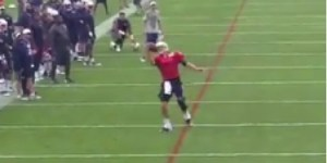 Watch Tom Brady Snag Appropriately Inflated Ball With Sick One-Handed Catch